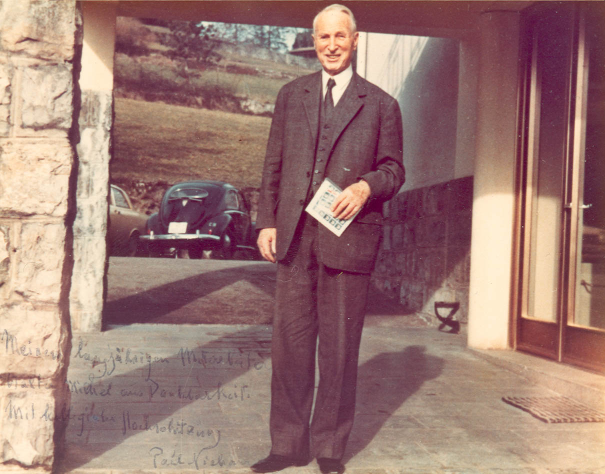 Professor Niehans in front of the Residence
